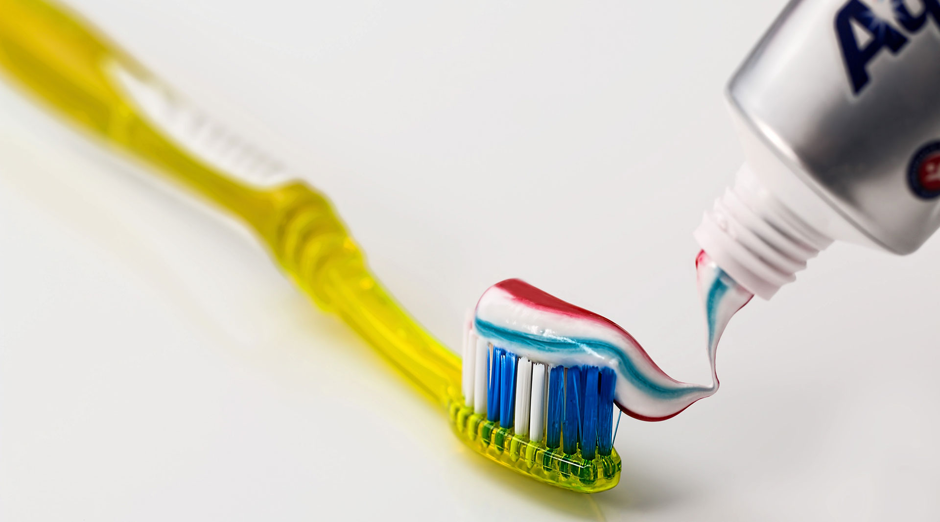 Toothpast & toothbrush